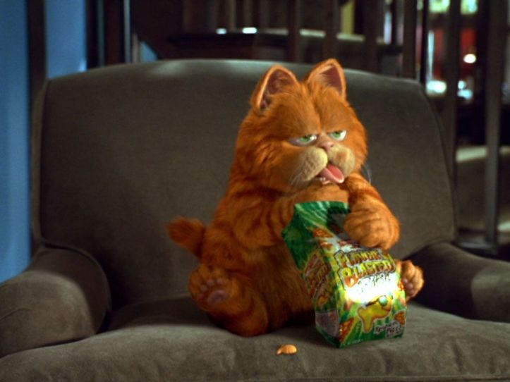 garfield_eating_snack_wallpaper_-_1024x768