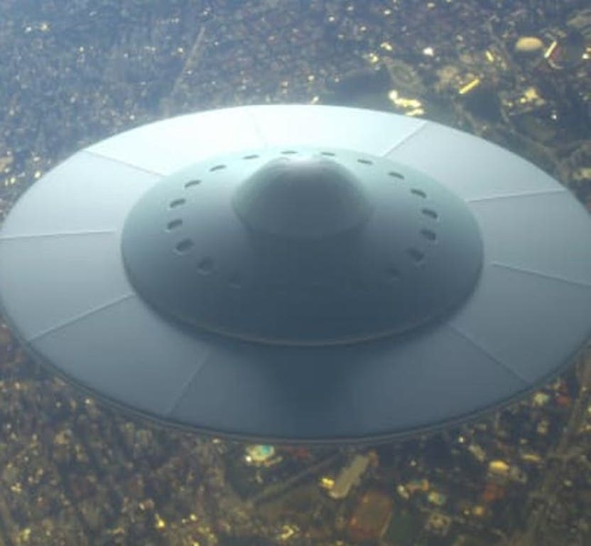 ufo-traits-feature-666735176-1